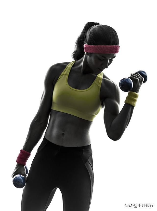 一对哑铃,20个动作,虐遍全身,让你不去健身房练出魔鬼好身材