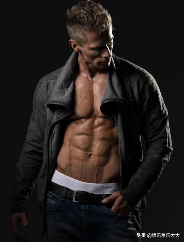 帅气而且身材很好的欧美肌肉帅哥照片