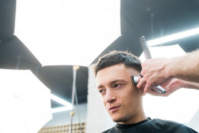 男人35岁以后,发型怎么剪才合适?试试这6款造型